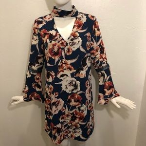Skies Are Blue : Floral Shift Dress